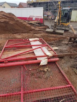 Pair site gates, mesh 2mtr high, 5 mtr wide