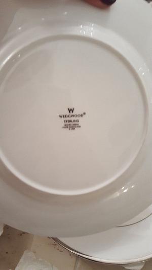 Wedgewood platinum dinner set for 6