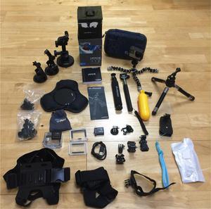 GoPro Hero 4 Silver / bundle kit / TONS of accessories