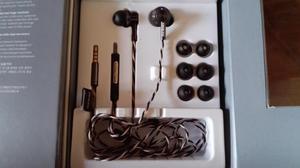 ONKYO E700m IN-EAR HEADPHONES