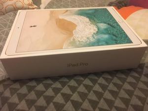 iPad Pro 10.5, keyboard & pencil