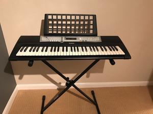Yamaha YPT200 Electric keyboard and stand