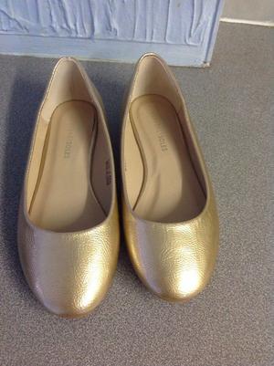Gold ballerina size 4