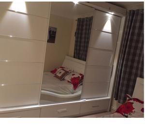 Large Wardrobe (3 sliding doors inc mirror)- Excellent Condi