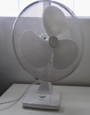 Tefal 3-speed oscillating desk fan