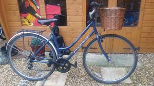 Women's Edinburgh connection town trail hybrid bike