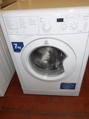 """""""Indesit """"Washing machine.. 6kg..Spin-...For sale..Can be delivered."""