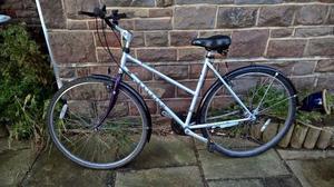 Raleigh Pioneer Endeavour Ladies HYBRID Bike