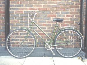 Lovely Lightweight Dutch Style 3 speed vintage ladies bike, Serviced
