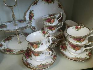 Old Country Roses tea set