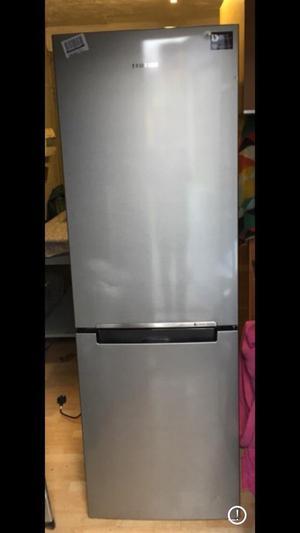 New Samsung RB29FSRNDSA Silver Fridge Freezer Delivery Available rrp £499
