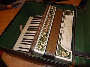 Rare Beautiful Vintage Hohner Verdi 1 Piano Accordion - German vintage musical instrument