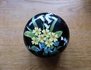A PAPIER MACHE LIDDED POT - SPRING FLOWERS