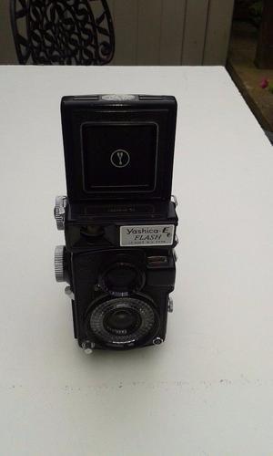 Vintage Yashica twin lens reflex cammera