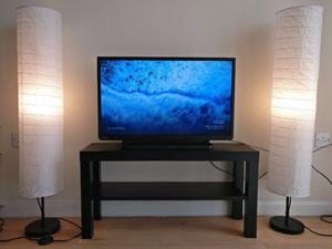 "32"" Led HD TV (Toshiba) + Google Chromecast"