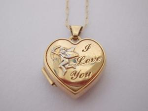 "9ct Gold Heart Shaped Cupid Locket ""I LOVE YOU"" with 19.5"" Chain - Hallmarked"