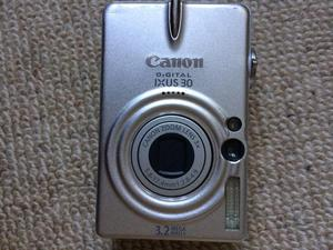 Canon IXUS 30 camera