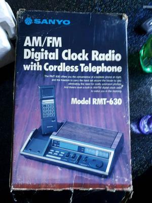 Retro alarm clock /radio/phone
