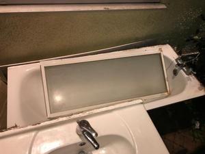 White metal bath tub shower screen mixer tap and shower only tear old in v good condition
