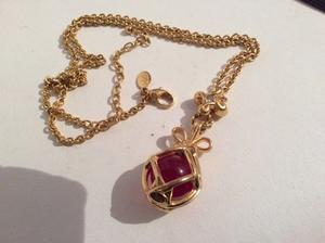 Joan rivers egg pendant and chain