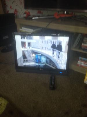"""for sale lg 22"""" lcd widescreen tv with freeview and Remote Control"""