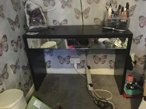 Black and mirror dressing table