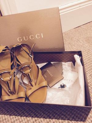 GUCCI - designer Italian leather high heeled sandal/shoe