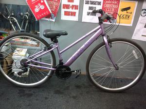 "ladies hybrid bicycle 700c/28"" wheels"