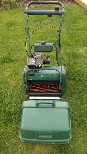 Atco Balmoral 17s cylinder lawnmower