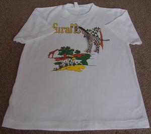 "BOYS/GIRLS WHITE T SHIRT WITH GIRAFFE - SZ XL (32"" CHEST)"
