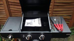"Bbq gas grill "" Jumbuck"" + extra gas cylinder nearly full"