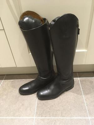 Brand New Condition Shires Norfolk Boot- Postage Included