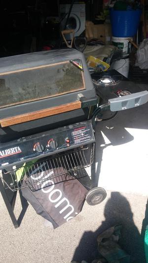 Fiesta Alberta BBQ, 2 burner + side burner