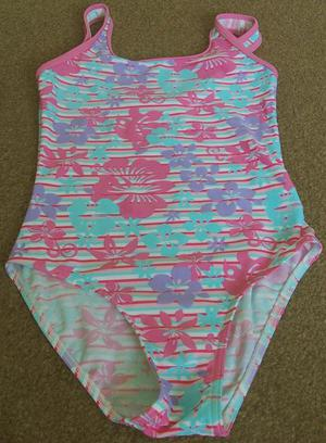 LOVELY GIRLS STRIPED/FLOWERED SWIMSUIT - AGE  YRS