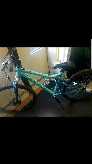 Ladies Mountain bike £ includes lock and accessories.