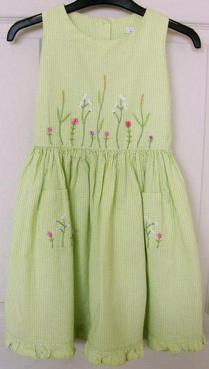 PRETTY GIRLS LIME GREEN EMBROIDERED DRESS BY M&S - AGE 5 YRS