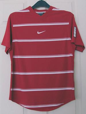 RED & WHITE STRIPE T SHIRT BY NIKE -  (US AGE 12) B8