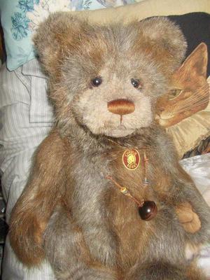 woodford charlie bear LOOKS like NEW