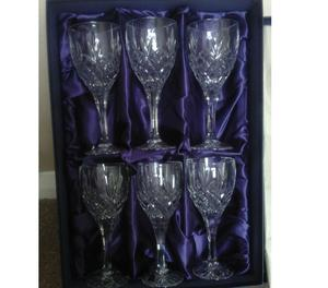 6 Crystal Wine Glasses boxed