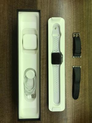 Apple Watch Series 2 42mm - Perfect Condition with 2 Apple bands and Warranty until
