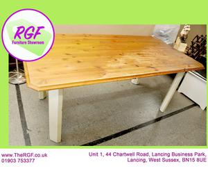 SALE NOW ON!! - Pine Dining Table - Local Delivery £19
