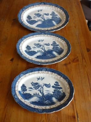 3 LARGE OVAL WILLOW PATTERN SERVING DISHES