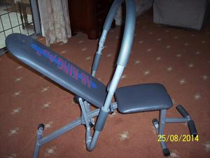AB KING PRO EXERCISE MACHINE. INCLUDING 2 VIDEO'S