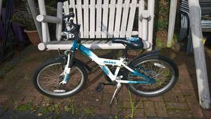 """Apollo minx girls mountain bike 20"""""""