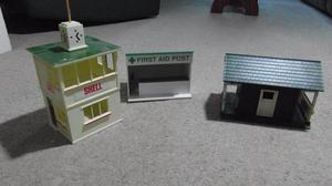 Classic Vintage Scalextric buildings