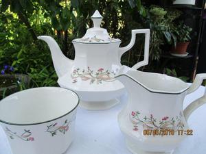 'Eternal beau' teapot set with milk and sugar bowl