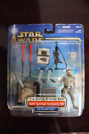 Original Boxed Star Wars Hoth Survival Accessory Figure Set