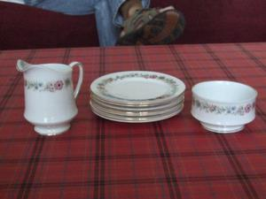 "PARAGON ""BELINDA"" BONE CHINA SUGAR BOWL MILK & 7 SIDE PLATES"
