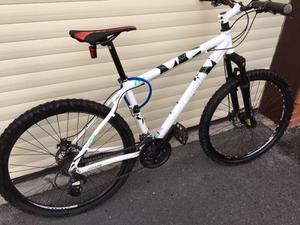 Raleigh Mountain Bike AT30 Free Ride Series Airlite