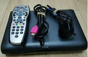 SKY+HD BOX NEARLY LIKE NEW WITH,POWER CABLE, WITH REMOTE CONTROL, HDMI CABLE FOR SALE